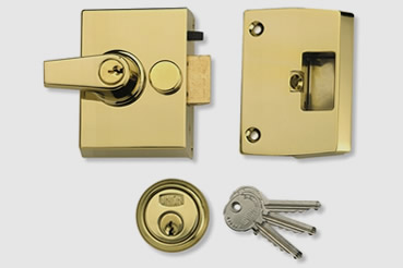 Nightlatch installation by St Johns Wood master locksmith